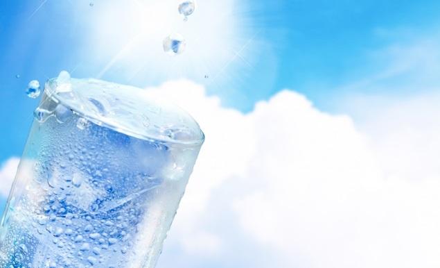 炭酸水の「メリット・デメリット」肌や健康への効果は?おすすめの飲み方も紹介