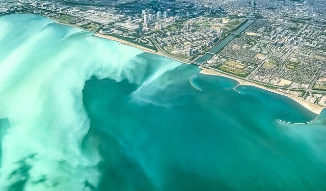 青潮で東京湾が激変!『まるで沖縄のブルーオーシャンに!?』千葉ではアサリに影響も