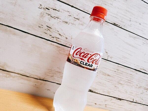 新作「コカ・コーラクリア」飲んでみた!透明炭酸飲料の味は?太る?