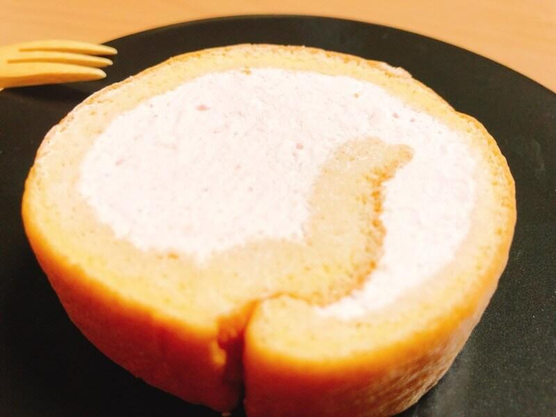ナッシュのロールケーキストロベリー